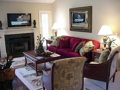 Spacious Living Room w/ Fireplace and HD TV