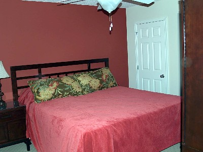 Second Bedroom with King Bed, Split Bath